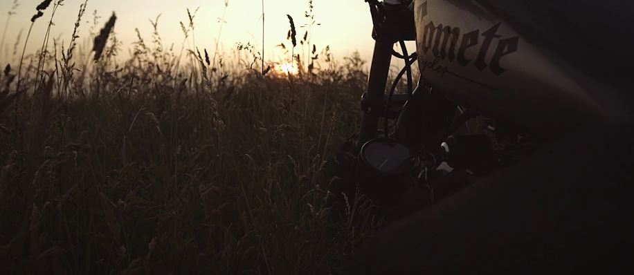 the-glint-cinematic-poem-short-film-promo-for-comete-motorcycles-directed-by-mathieu-maury-2013