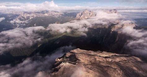 aeris-acuti-cinematic-poem-aerial-short-film-directed-by-martin-heck-in-2016